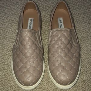Steve Madden quilted sneaker size 9